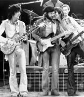 左から:ロン・ウッド、エリック・クラプトン、キース・リチャーズ@マジソン・スクエア・ガーデン 1975