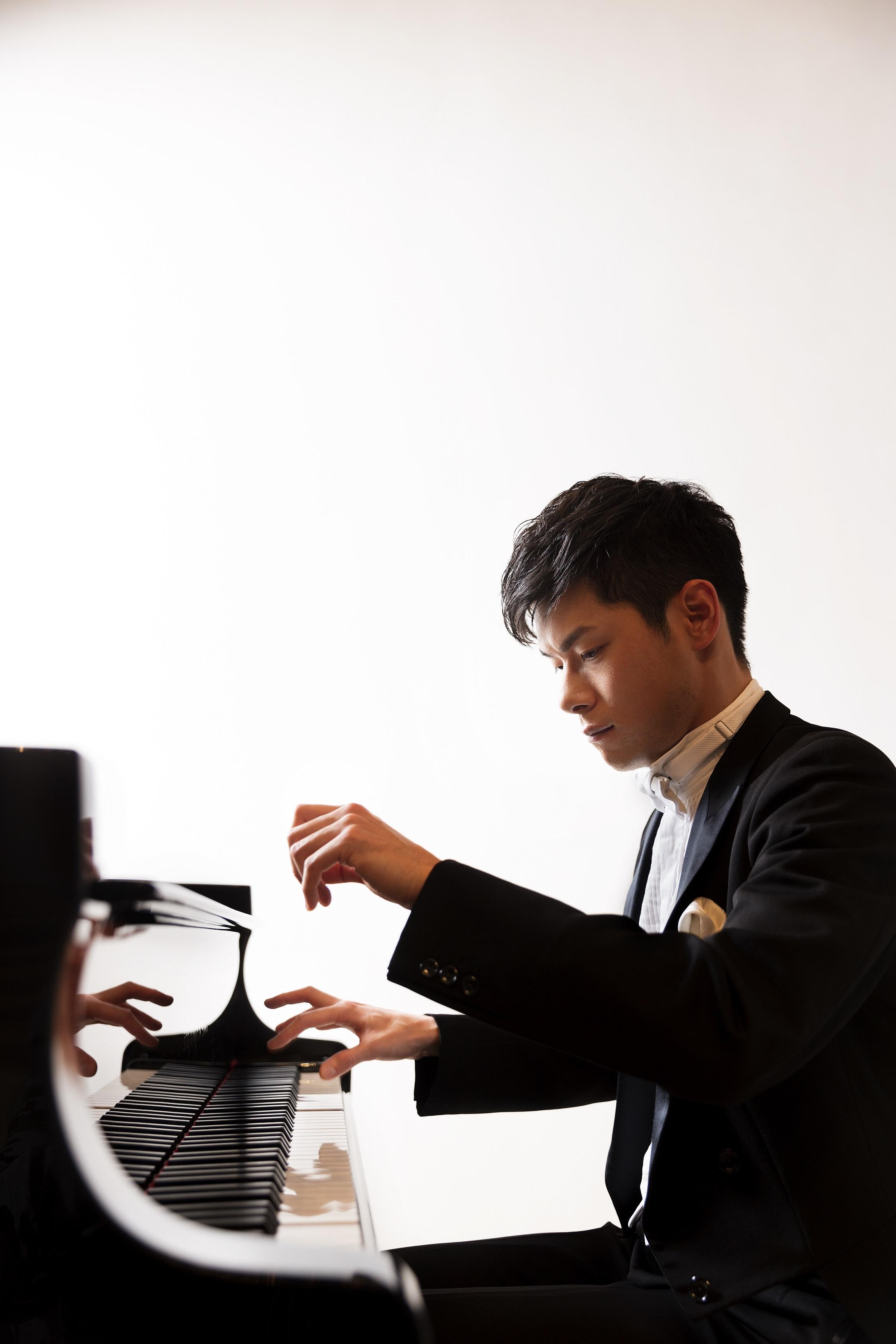 外山啓介 デビュー10周年記念ピアノ・リサイタル