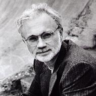 アダムズ、ジョン(1947-)