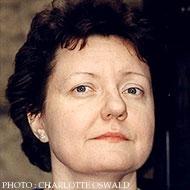 ヘルツキー、アドリアーナ(1953-)
