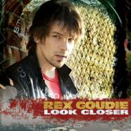 Look Close