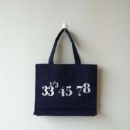 Typography Tote 33 1/3 (Lサイズ)Nw)