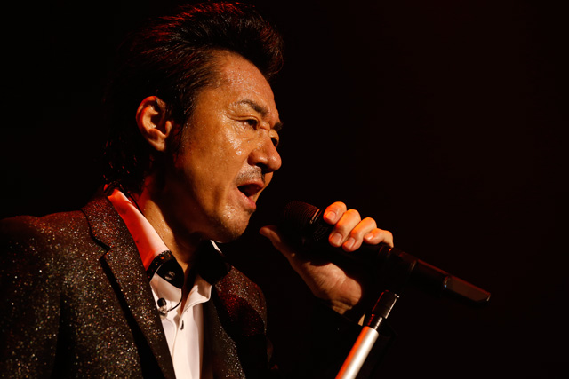 HOUND DOG『LIVE 2018「It's Showtime~One night special」』