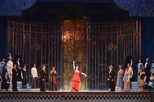 新国立劇場オペラ『こうもり』