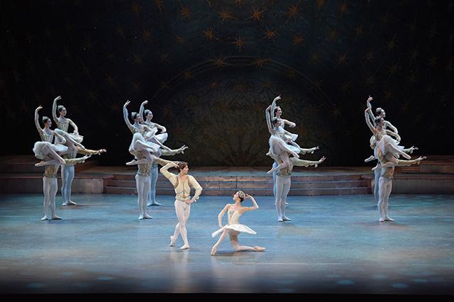 新国立劇場バレエ団『ライモンダ』