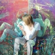 ベス・オートン4年ぶりニューアルバム