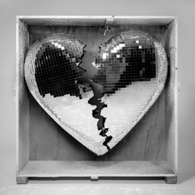 マーク・ロンソンの4年振り5枚目ニュー・アルバム『LATE NIGHT FEELINGS』アナログでも発売決定!